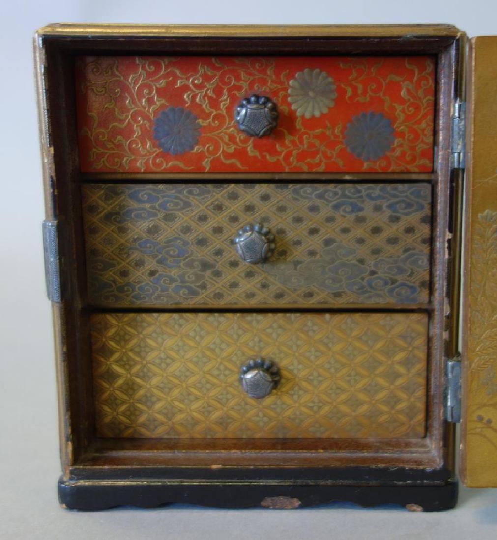 Fine Japanese Lacquer Miniature Cabinet, Meiji - 8