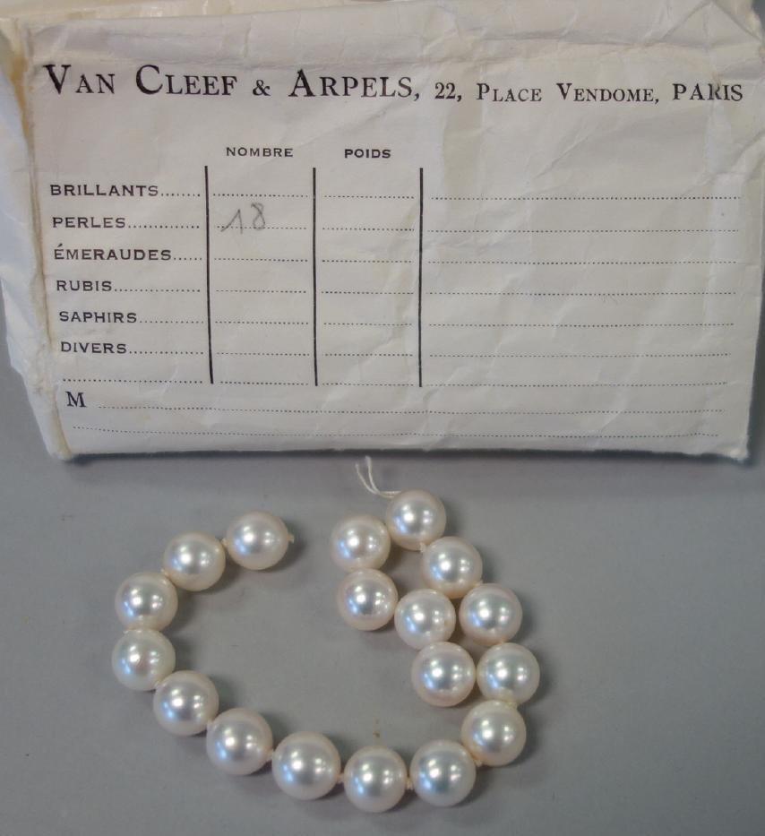 Van Cleef & Arpels, 18 Loose Pearls, 9mm