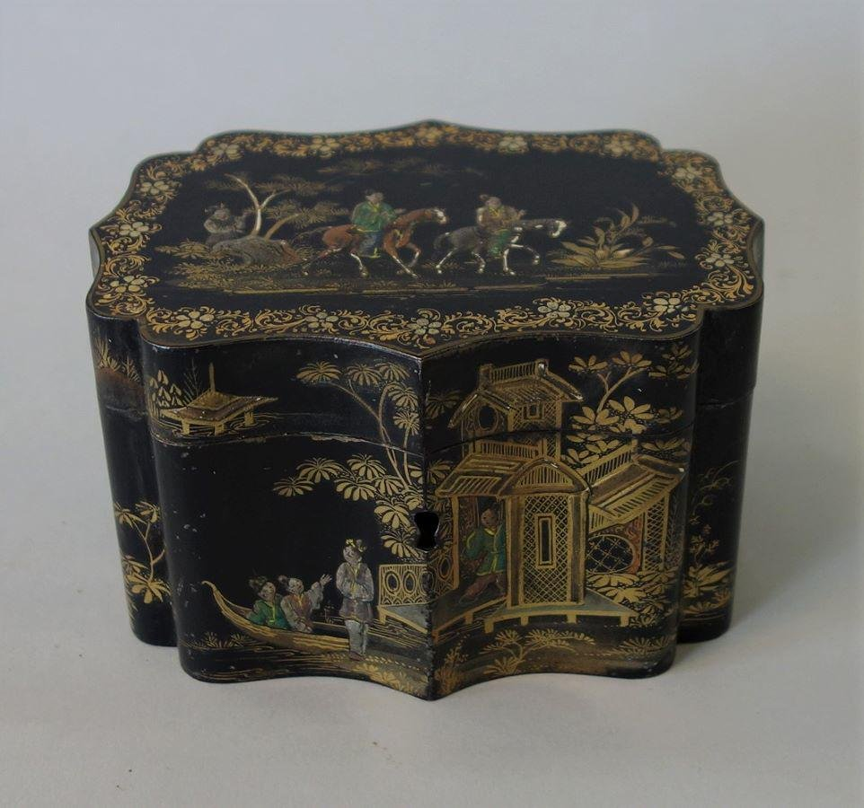 19thc English Chinoiserie Lacquered Tea Caddy
