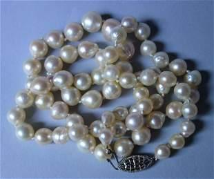 Fine Vintage Natural Pearl Necklace
