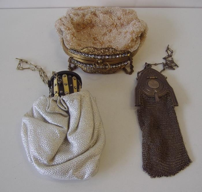 9: 3 Vintage Handbags beaded & mesh, Whiting & Davis
