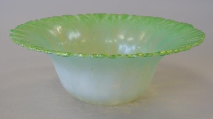 13: Tiffany Favrile Feathered Green Opalescent Bowl