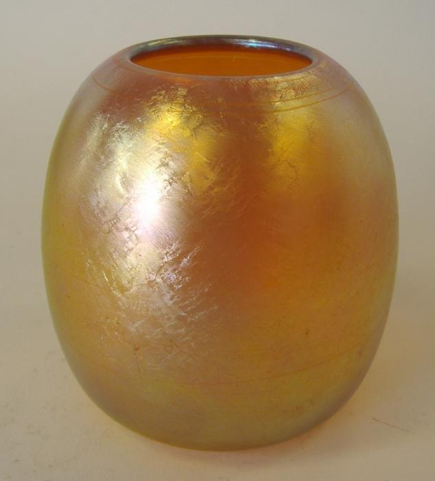 10: Durand Iridescent Art Glass Vase, signed