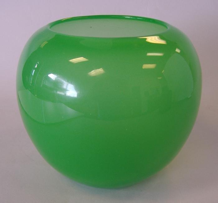 14A: Steuben Jade Green Bowl Vase