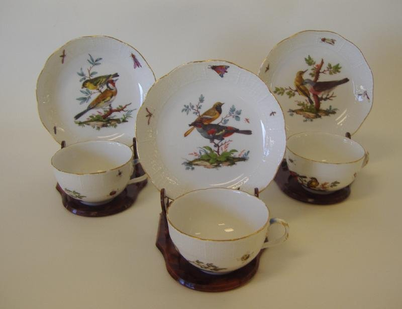 19: 3 Meissen Porcelain Cups & Saucers Rothschild Bird
