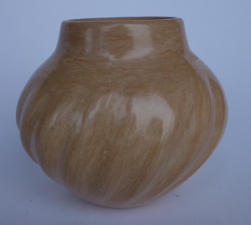 Juanita Fragua, Jemez Pottery Vase