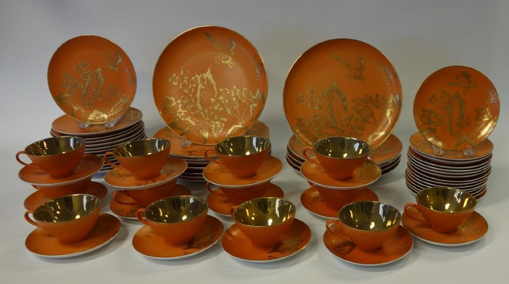 Dorothy Thorpe Persimmon China set for 13 +