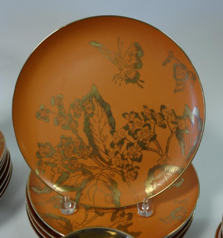 Dorothy Thorpe Persimmon China set for 13 + - 3
