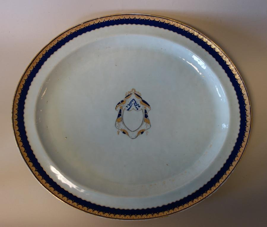Chinese Export Porcelain Platter, Armorial Crest