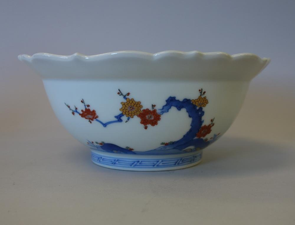 Fine Japanese Kakiemon Enameled Bowl, Signed - 2