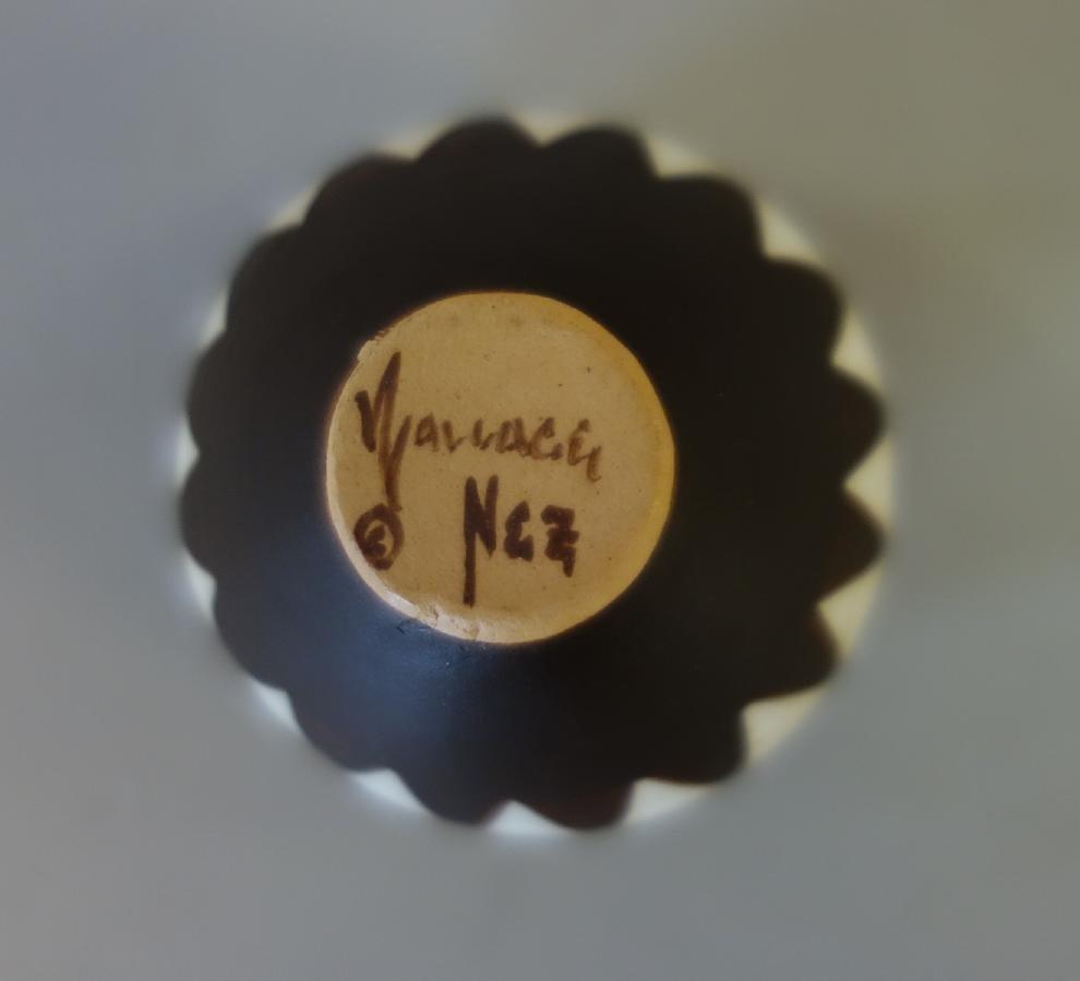 Wallace Nez, Navajo Pottery Seed Pot - 5