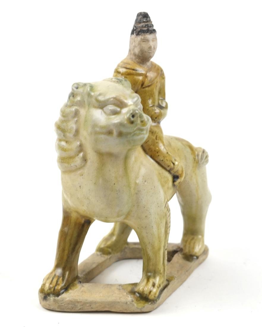 CHINESE SANCAI-GLAZED PORCELAIN FIGURE OF A LION AND - 2