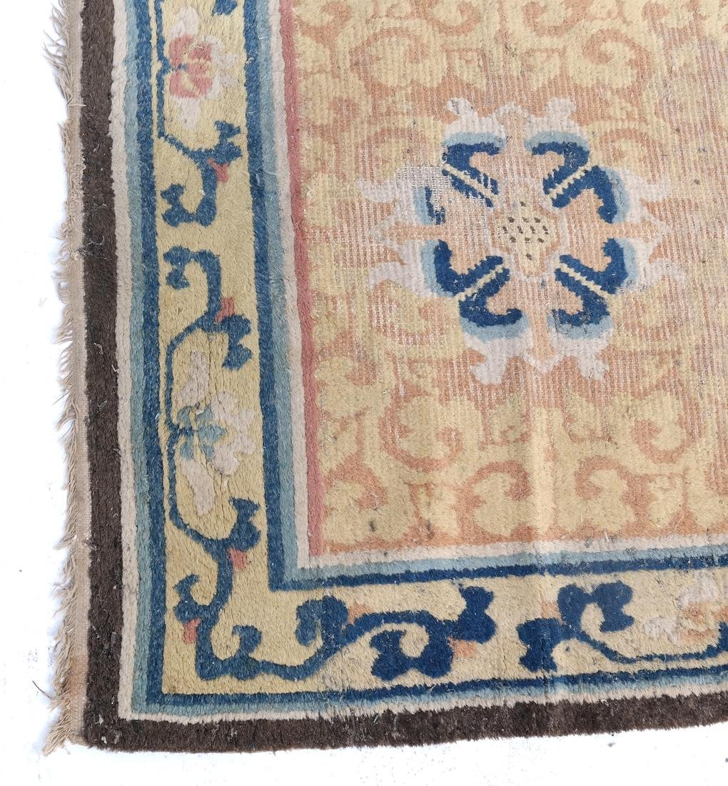 A CHINESE RUG 19TH CENTURY - 2