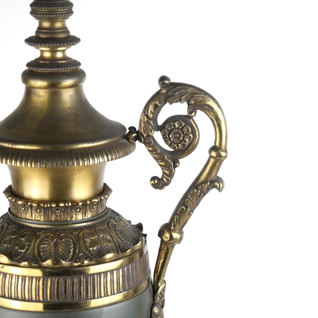 Classical Style Brass and Metal Lamp - 4