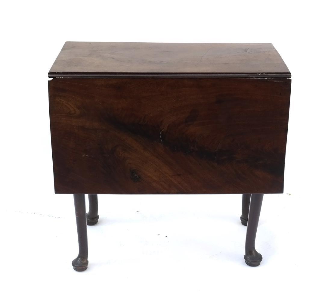 George II Mahogany Dropleaf Table