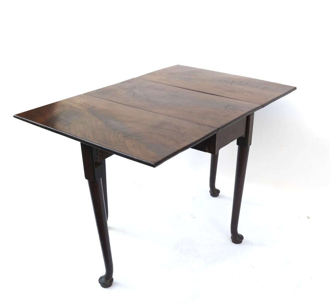 George II Mahogany Dropleaf Table - 3