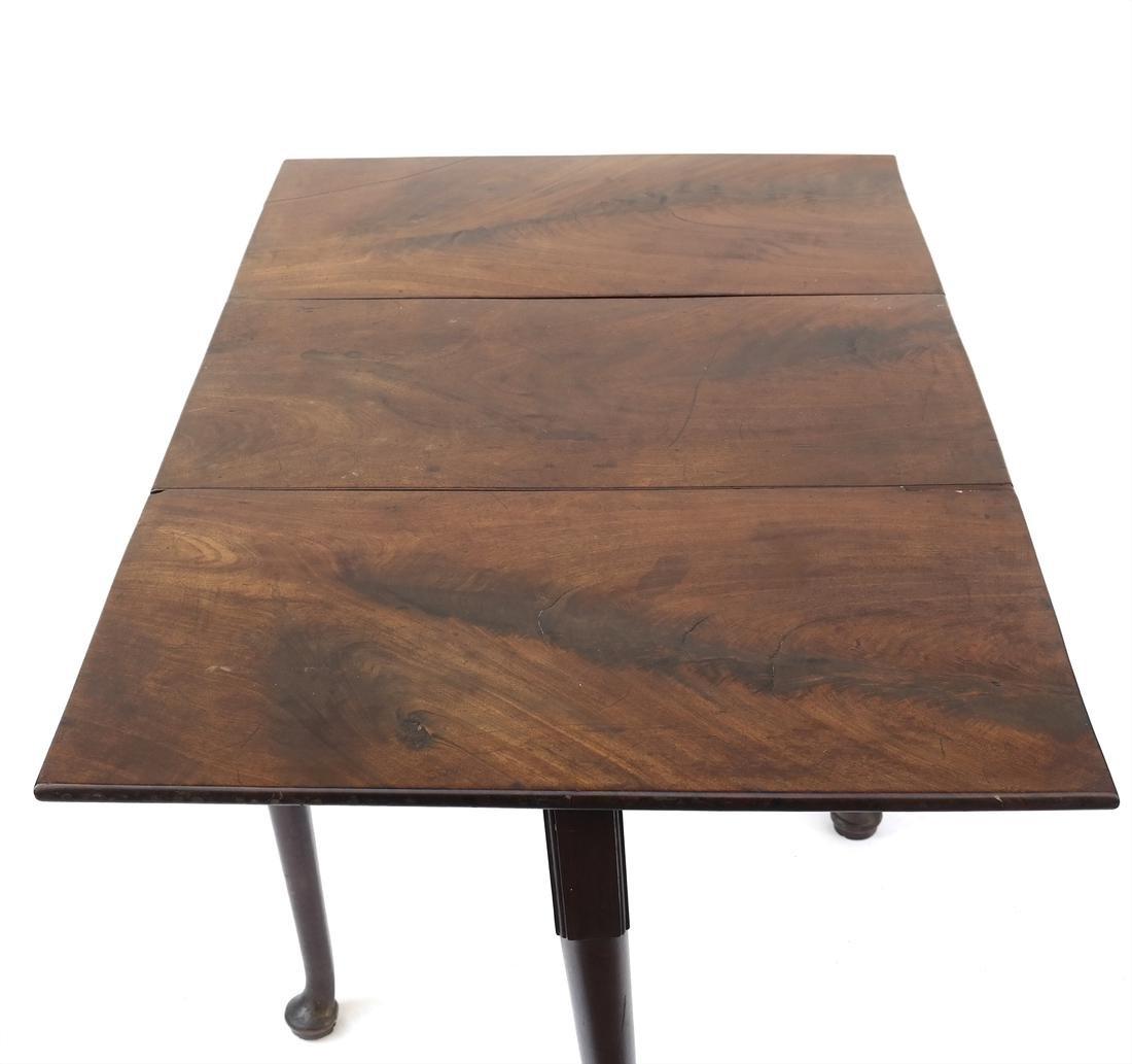 George II Mahogany Dropleaf Table - 5