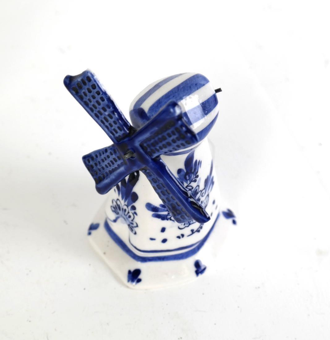 Seven Pieces of Blue & White Porcelain - 7