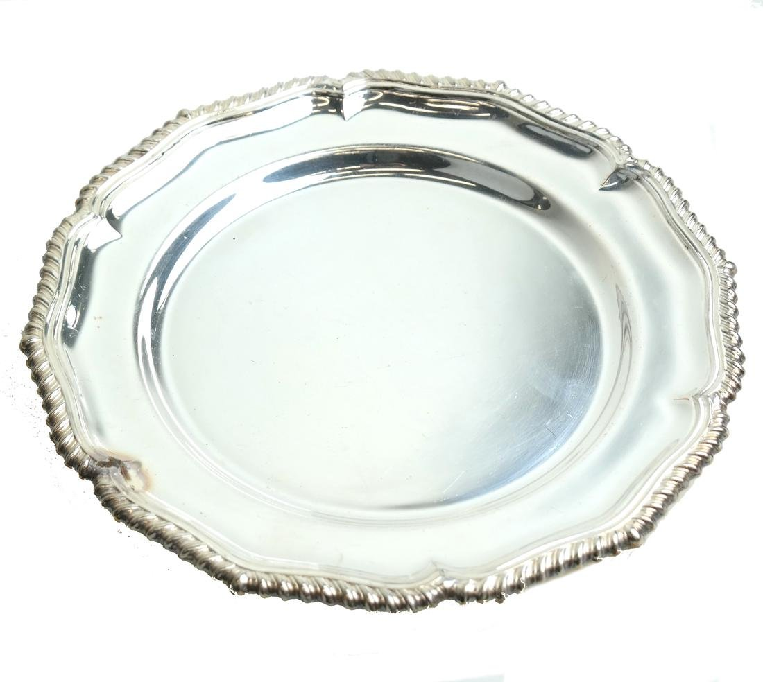 Twelve English Silver-plated Plates - 4
