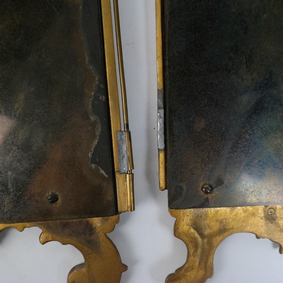 Rococo-Style Table Clock - 10