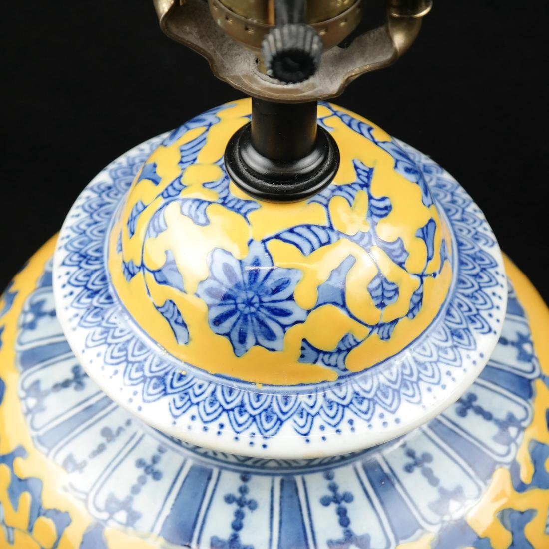 Asian-style Ginger Jar Table Lamp - 5