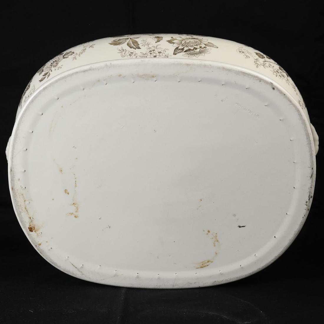 Parcel Gilt Ceramic Jardiniere - 7