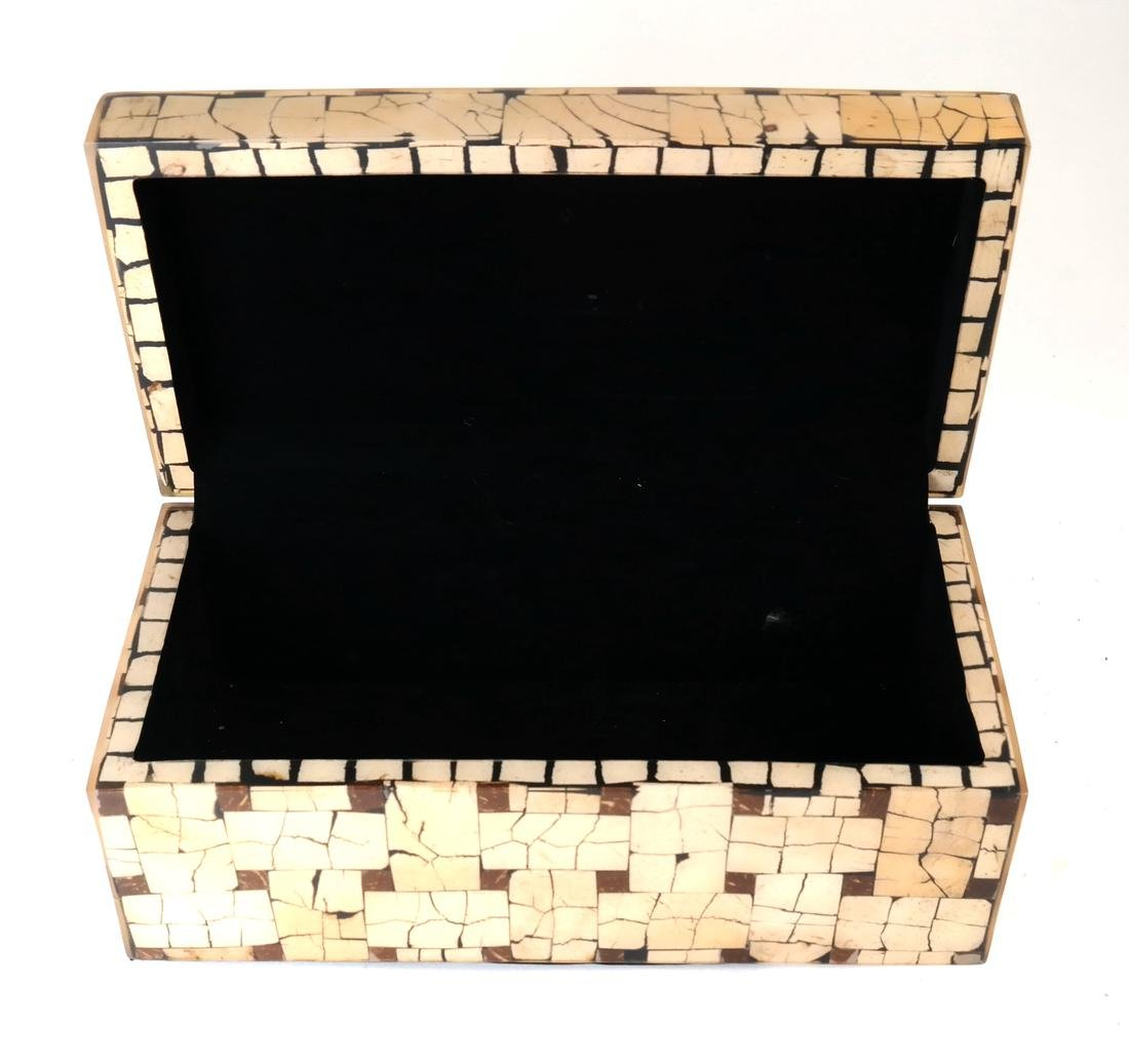 Eggshell Lacquered Hinged Box - 3