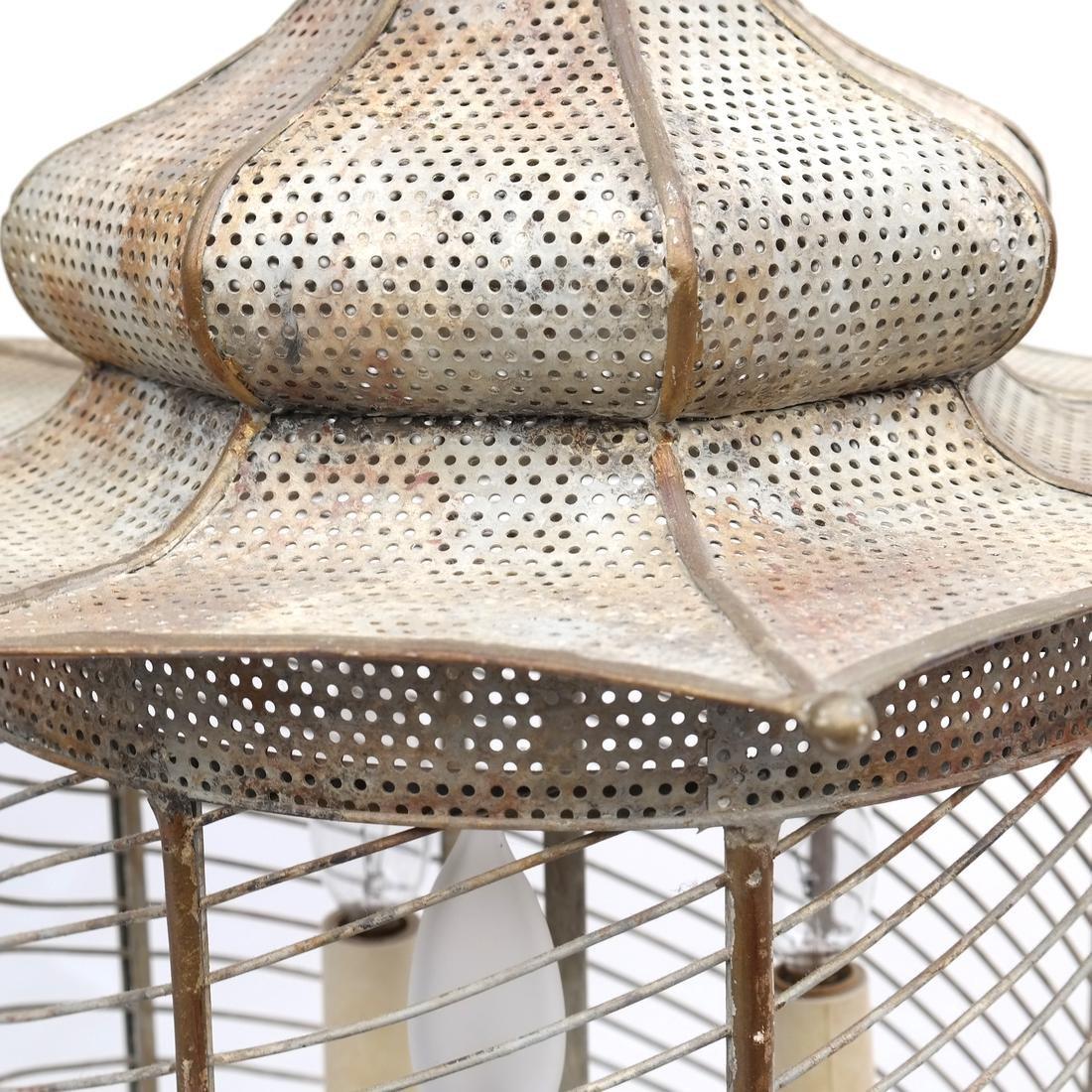 Pagoda-Form Lantern - 5