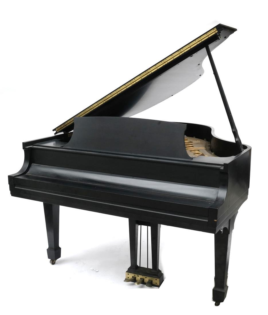 Steinway & Sons Studio Grand Piano, Model 404061 M