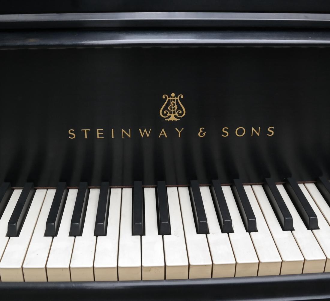 Steinway & Sons Studio Grand Piano, Model 404061 M - 4