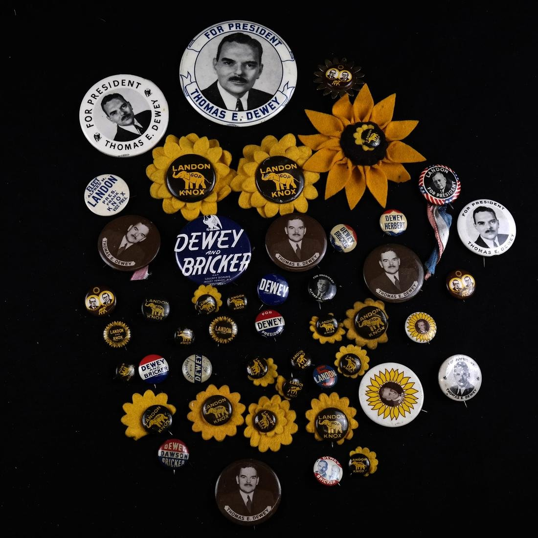 LARGE GROUP OF LANDON & DEWEY BUTTONS