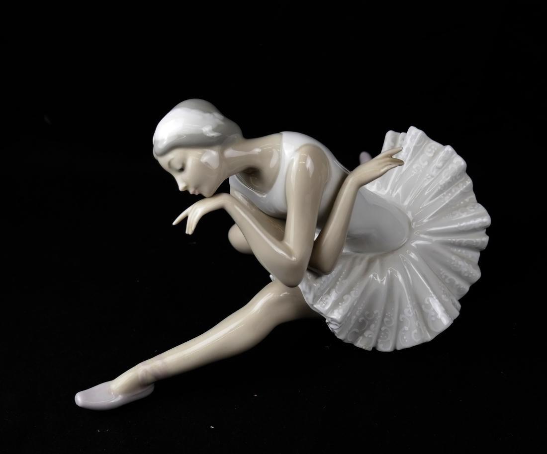 Three Lladro Figurines of Ballerinas - 3