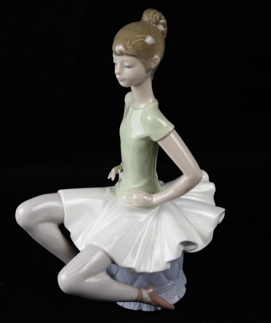 Three Lladro Figurines of Ballerinas - 4