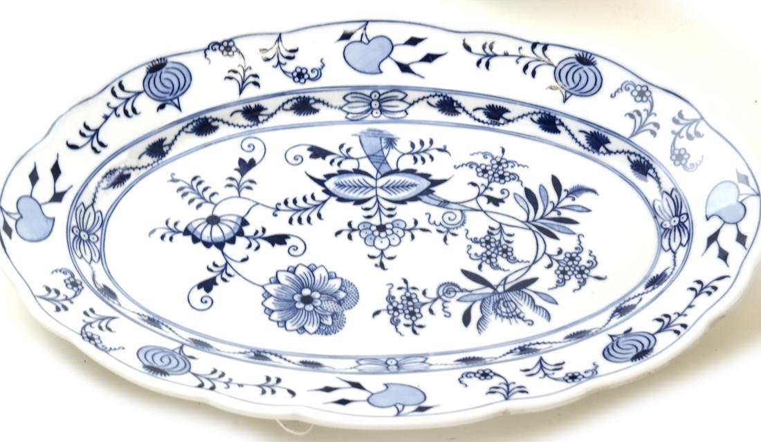 Four Pieces of Blue and White Dinnerware - 2