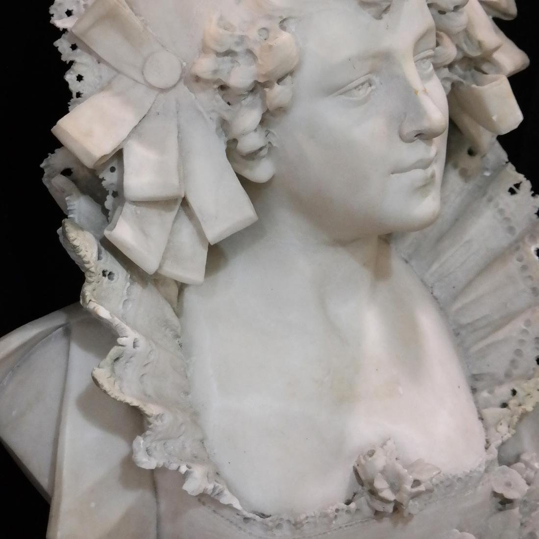 Vichi, 19th Century Marble Female Bust - 4