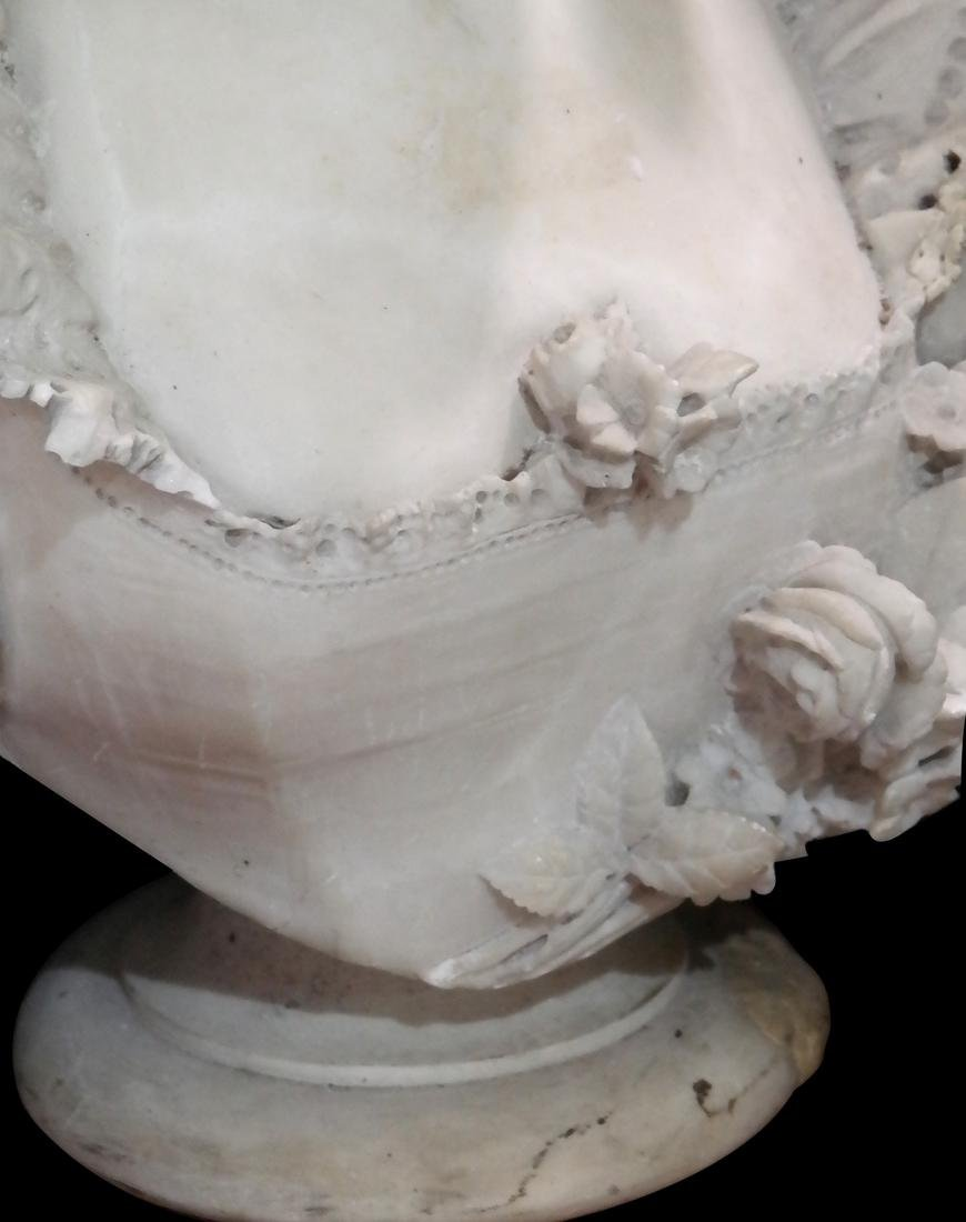 Vichi, 19th Century Marble Female Bust - 5