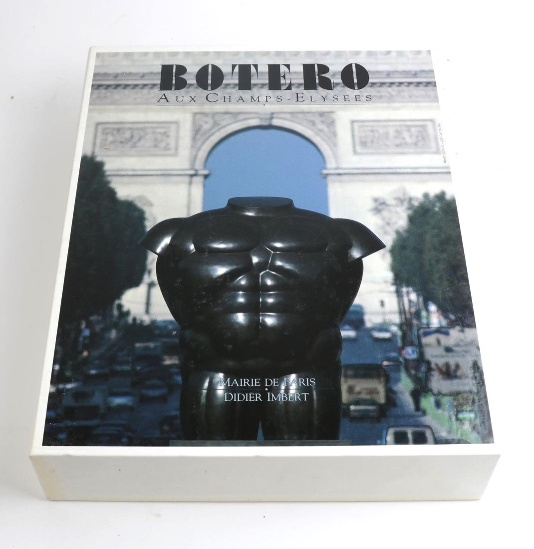 Cased Volumes, Botero Aux Champs Elysees - 3