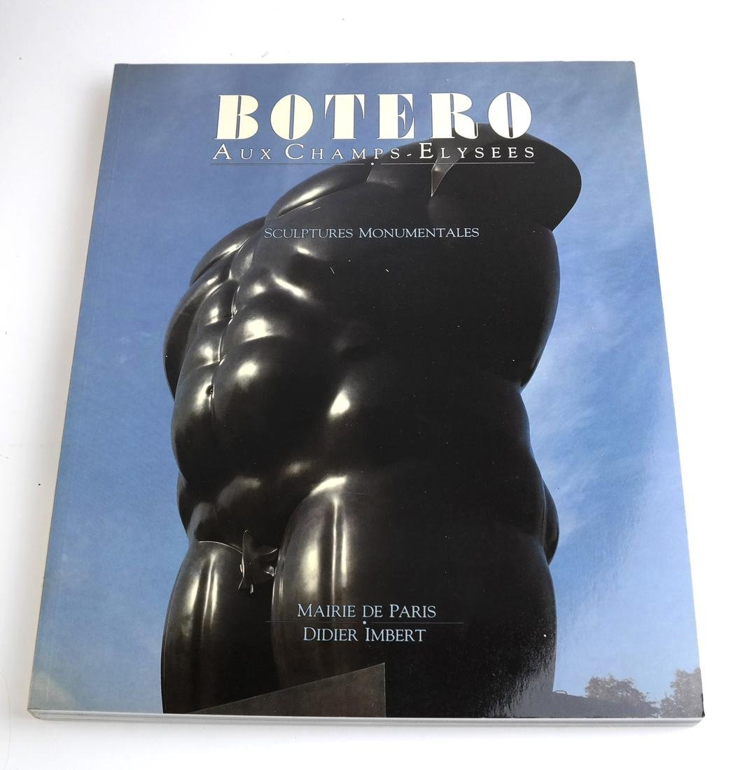 Cased Volumes, Botero Aux Champs Elysees - 7