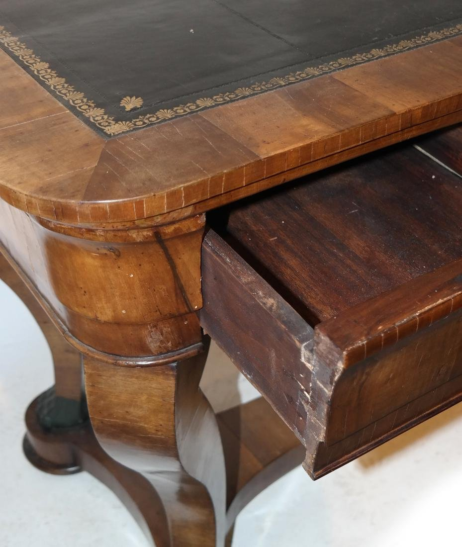 Classical Style Leather Top Desk - 7