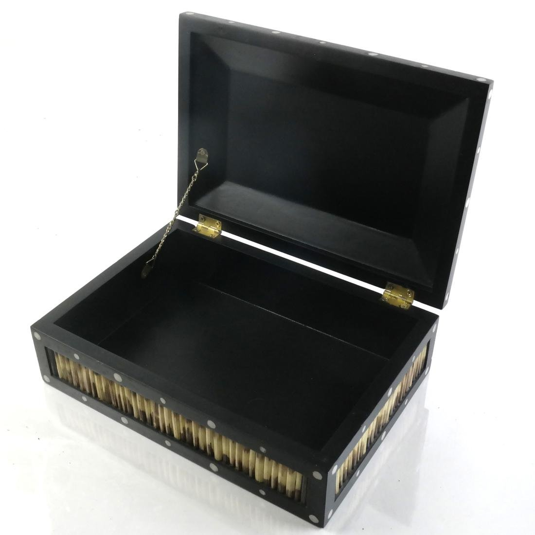 Anglo-Indian Wood Quill Box - 3