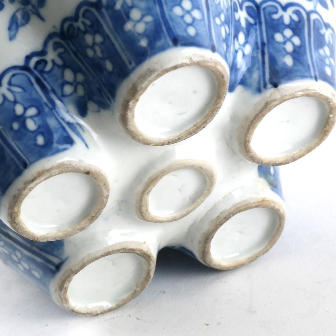 Chinese Porcelain Blue/White Tulip Vase - 8