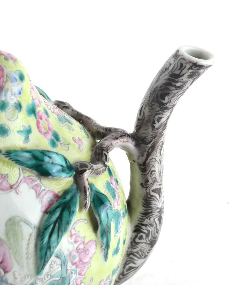 Chinese Cadogan Porcelain Famille Jaune Teapot - 3