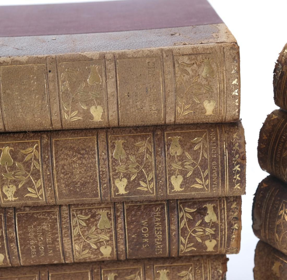 13 Volumes of William Shakespeare - 2