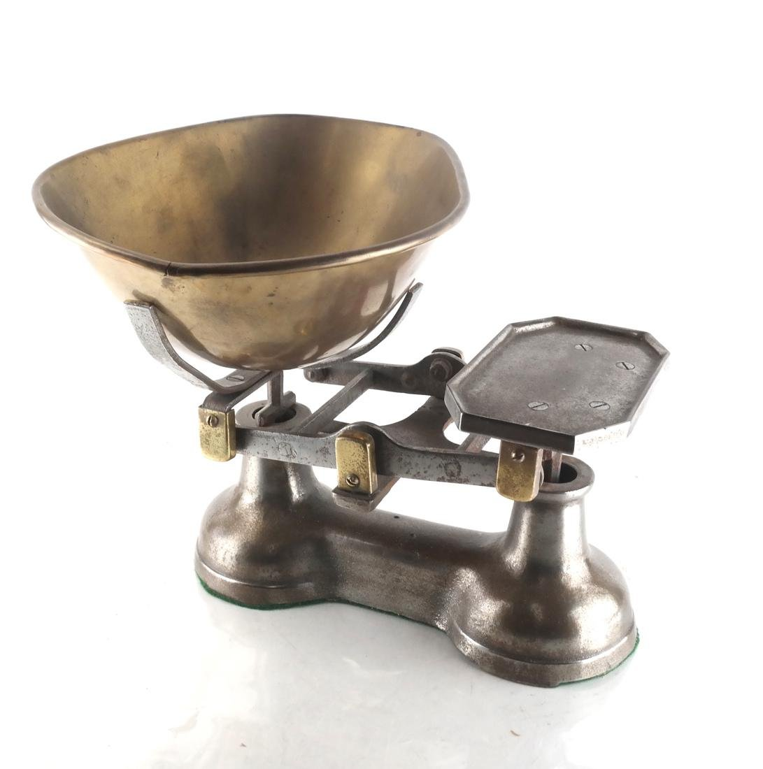 Victorian-Style Dry Goods and Grains Scale