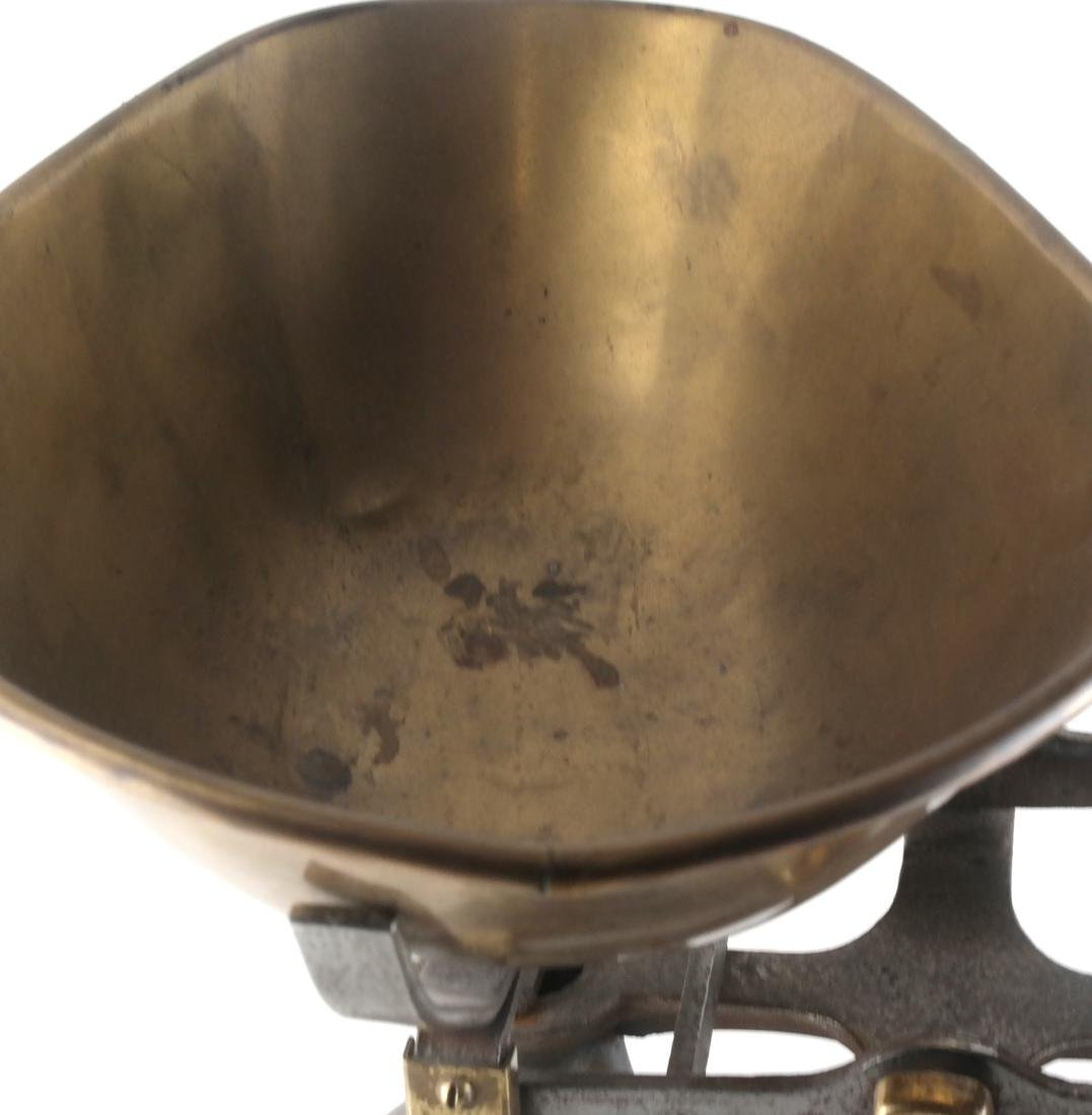 Victorian-Style Dry Goods and Grains Scale - 3