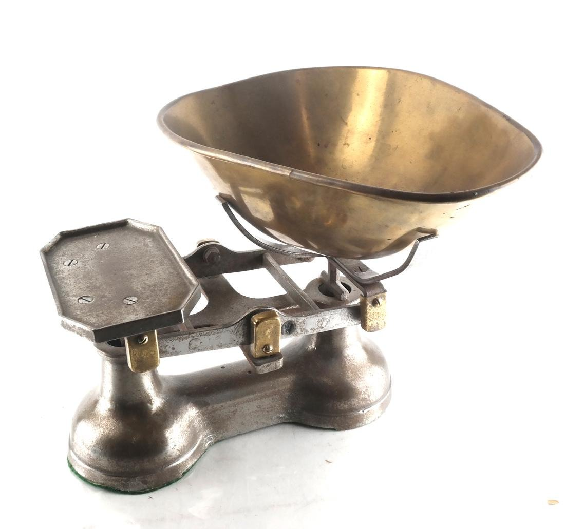 Victorian-Style Dry Goods and Grains Scale - 5
