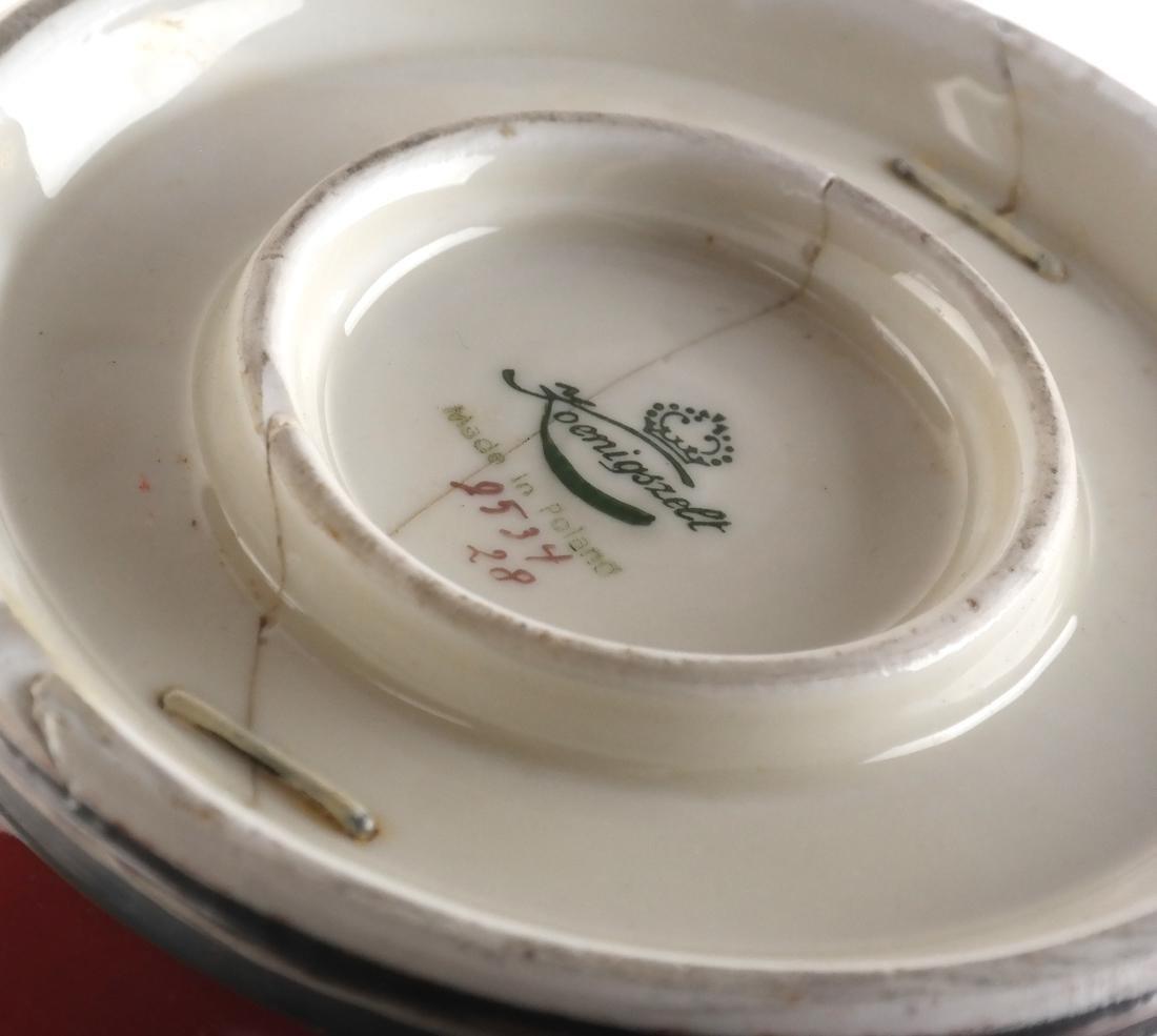 Pair Koenigszelt Porcelain Urns/Vases - 4