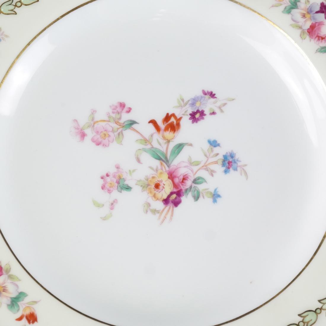 12 Wedgwood Porcelain Luncheon Plates - 3
