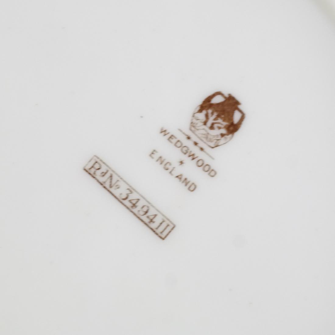 12 Wedgwood Porcelain Luncheon Plates - 5