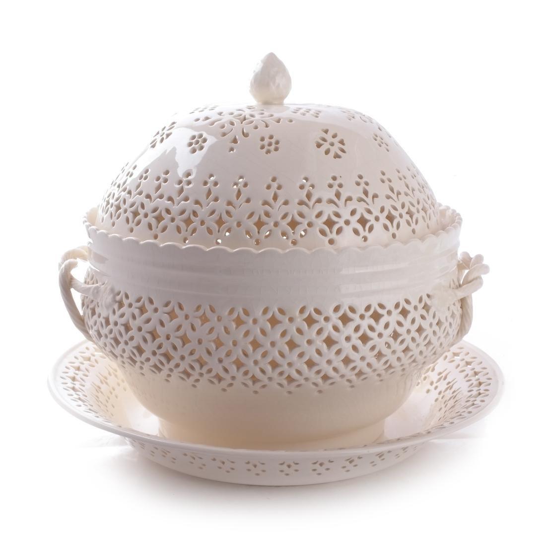 Leedsware, England: Porcelain Tureen & Underplate